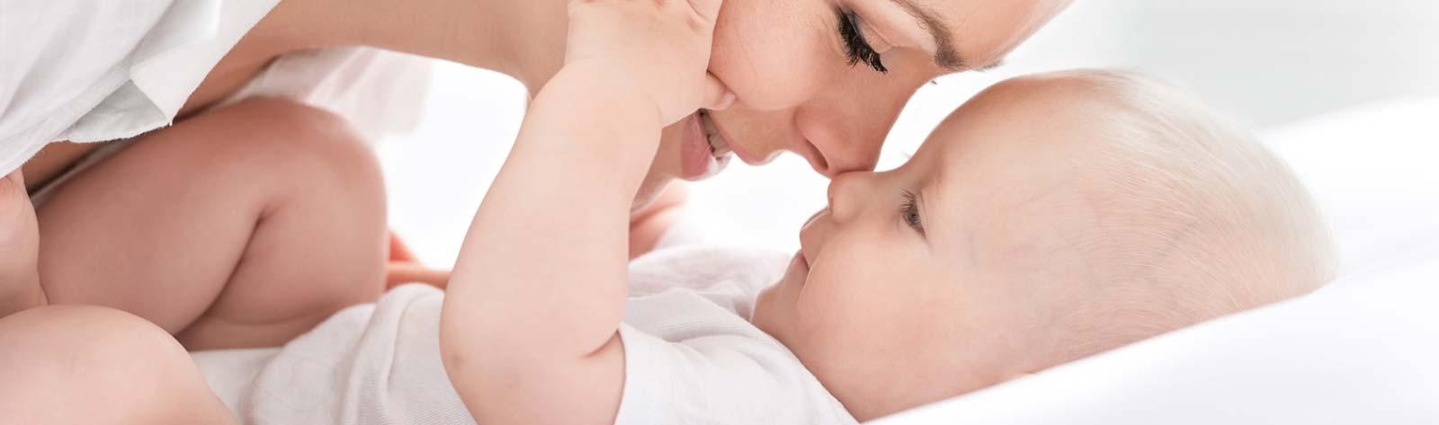 Implanty piersi – przed czy po ciąży?
