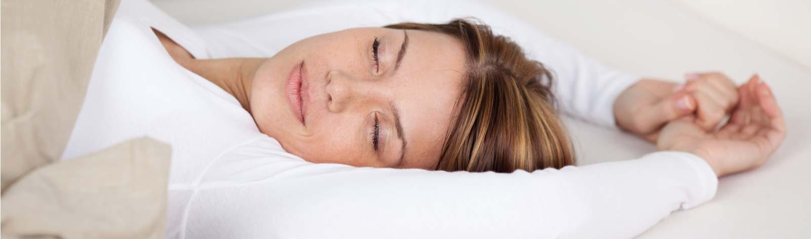 Najlepsza pozycja do spania po liftingu twarzy